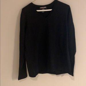Kirkland Marino wool black  V-neck sweater